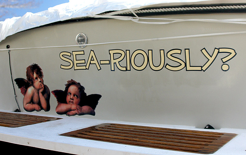 boat lettering in Freeport, Maine
